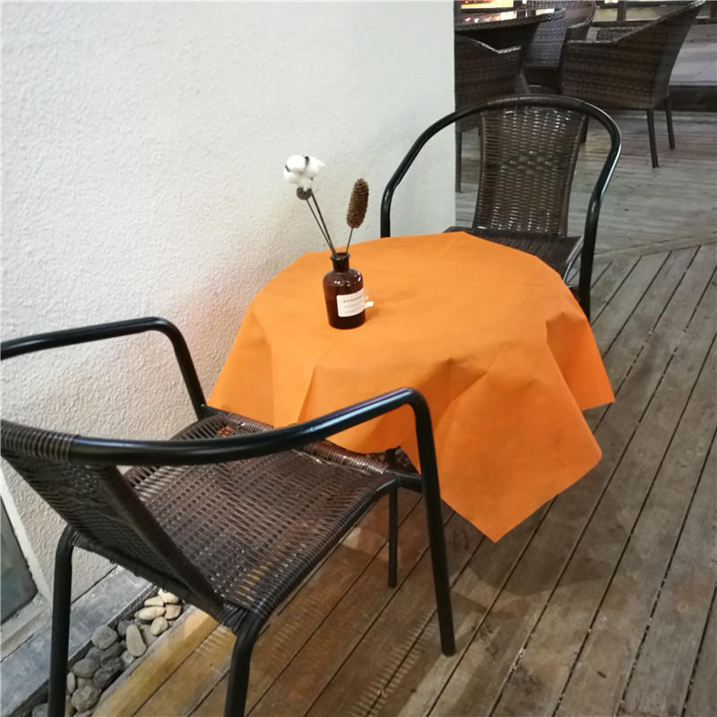 Colorful Nonwoven Fabric PP Table Cloth /Disposable Restaurant Tablecloth
